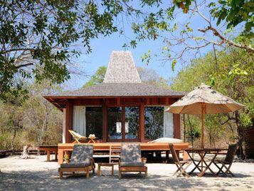 beach room outdoor lounge